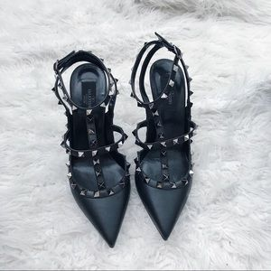 🖤 Valentino blacked out Rockstuds 🖤